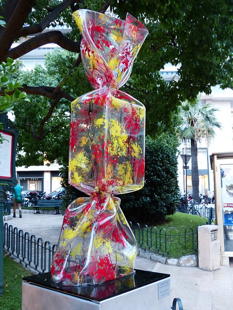 artwork, plastic, candy, red, yellow, monte carlo