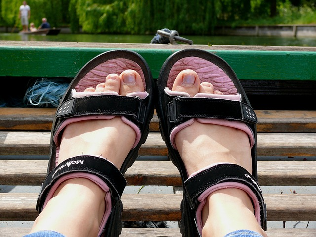 feet, sandals, summer, boat, part, body, legs, hands