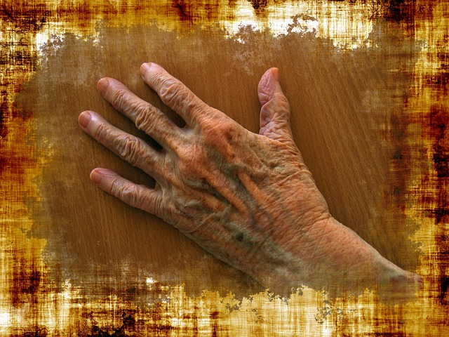 hand, old, age, skuril, elderly woman, grandma
