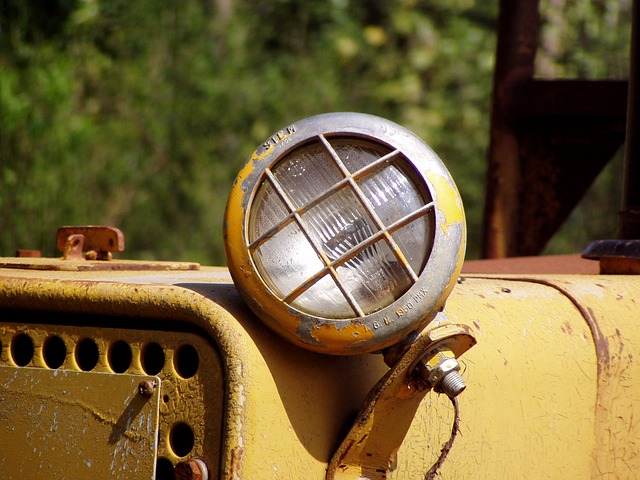 lighthouse, tractor, light, campaign, old, rusty