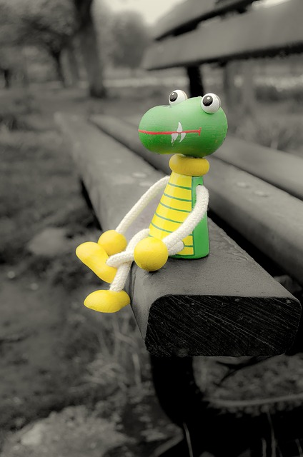 lost, toy, crocodile, puppet, wood, bench, park