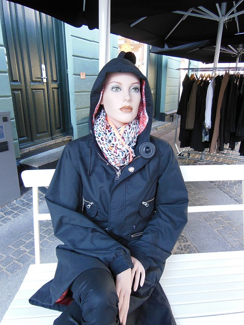 mannequindoll, sitting, bench, fashion, clothes, black