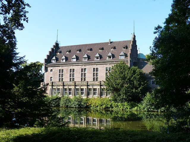 moated castle, places of interest, closed, park