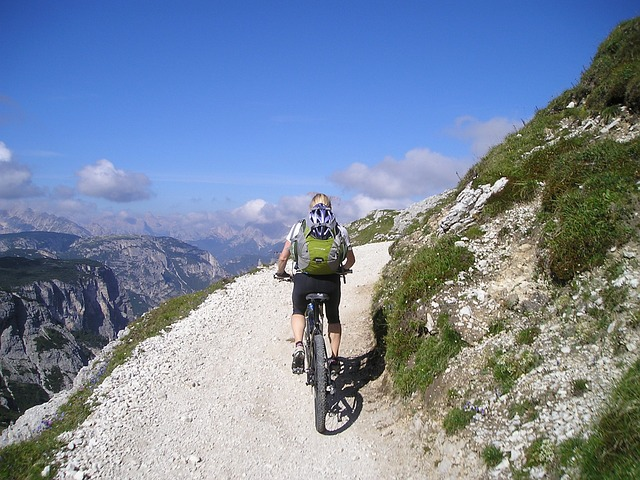 mountain bike, transalp, across the alps, woman, sporty