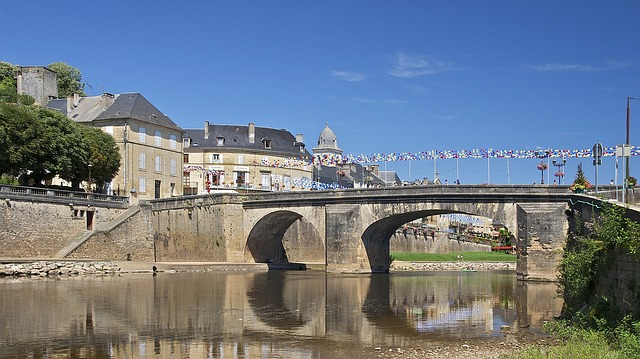 pont vezere, france, bridge, sky, buildings, city