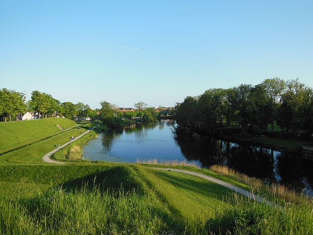 ramparts, moat, history, heritage, evening atmosphere
