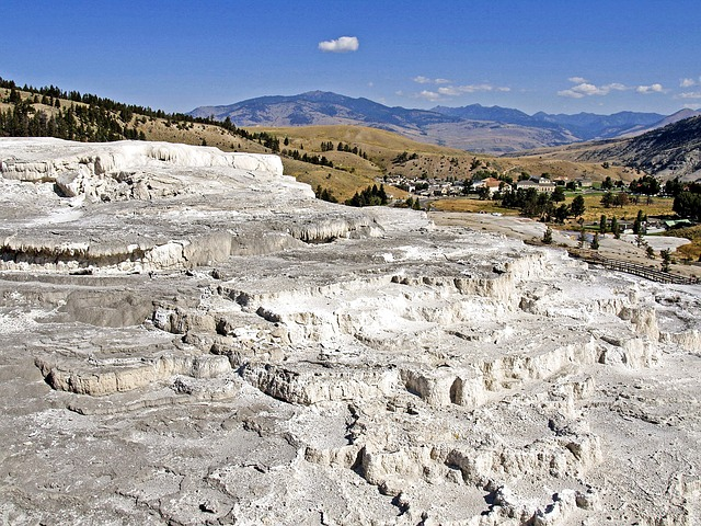 thermal springs, mammoth hot spring, limestone