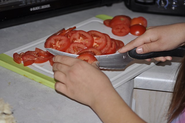 tomatoes, vegetable, tomato, cutting tomatoes