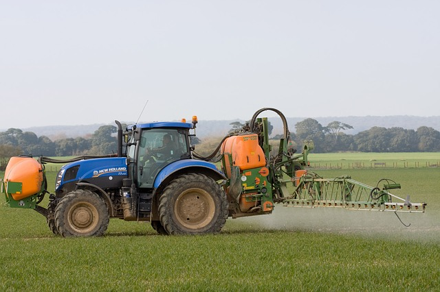 tractor, spraying, crop spraying, crops, farmland, farm