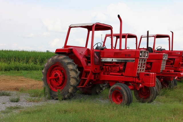 tractors, red, field, vehicles