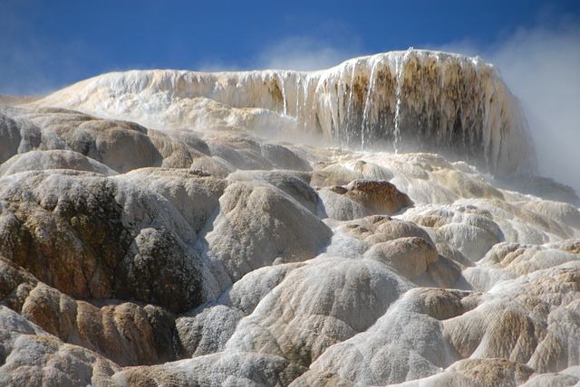 travertine, mammoth hot springs, yellowstone, minerals