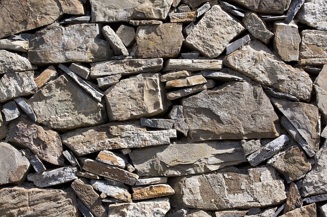 wall, natural stone, layered, without mortar, hard