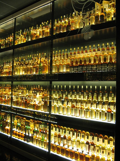 whiskey, bottles, yellow, museum, edinburgh, alcohol