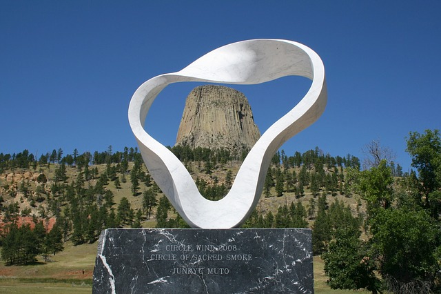 wyoming, devil's tower, sculpture