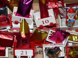 advent calendar, gifts, nicholas, train, wagons, packed