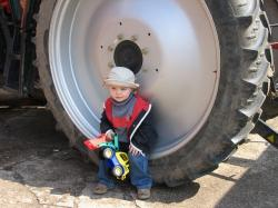 child, boy, young, play, large, small, tractors
