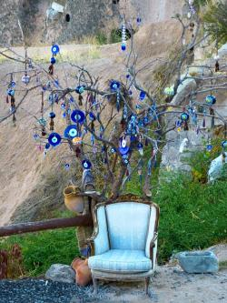 eye tree, chair, bad look, eyes, glass, sit, art, blue