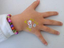 hand, face painting, aeson