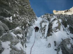 icy channel, ice climbing, mont blanc du tacul