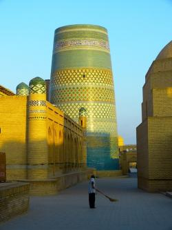 khiva, morning, kalta minor, short minaret, lighting