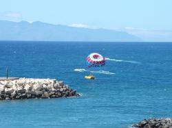 parachute, ocean, water, sea, holiday, sky, watersports