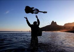person, guitar, sea, ocean, water, tossing, silhouettes