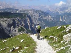 singletrail, mountain bike, transalp, across the alps