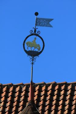 sky, gable, roof, weathervane, horse, animal, reiter