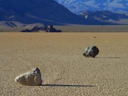 wandering rocks, stones, death valley, wind, usa